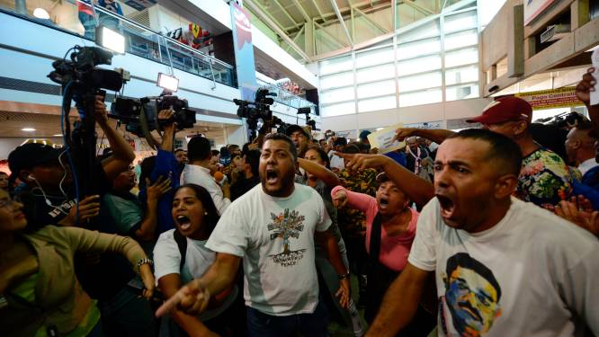 Rellen in Caracas na terugkeer Venezolaanse oppositieleider Guaidó
