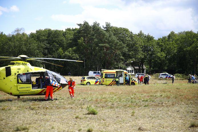 Een traumahelikopter is bij 't Frusselt in Vierhouten geland.