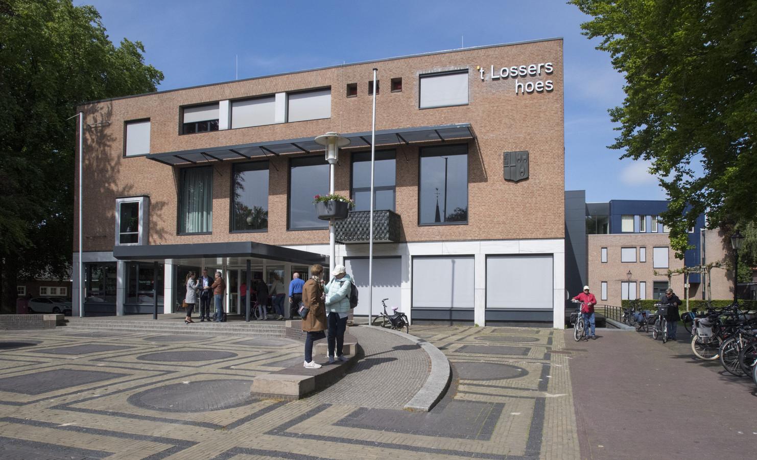 Met ingang van 1 mei krijgt de stichting Fundament, ondergebracht in 't Lossers hoes, een nieuwe directeur-bestuurder in de persoon van Evelien Fokkink.