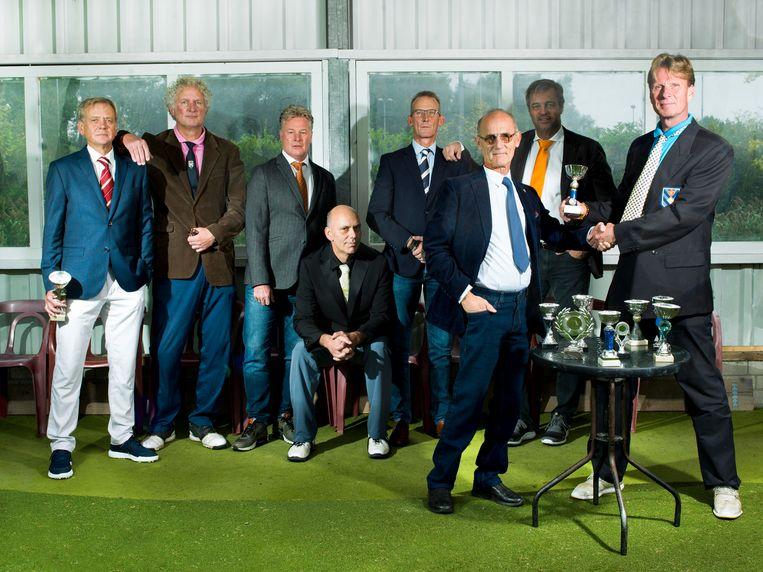 Golfcentrum Uithoorn, van links af: Ron de Vlaming, Bart Blom, Ton Kooijman, Raymond Tempelaars, Rob Meester, Gijs Verlaan (vooraan), Erwin van de Bosch, Jeroen Posthuma (vooraan). Beeld Eva Roefs