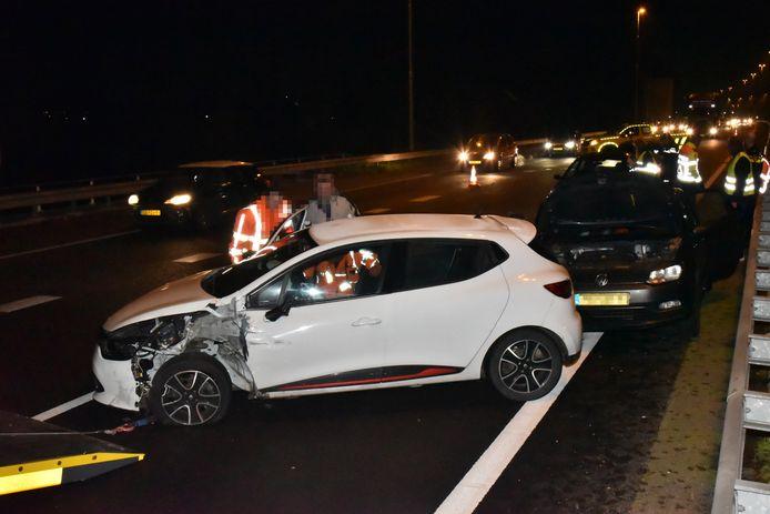 De beschadigde auto's op de A73