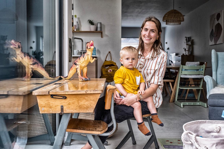 Stefanie Van Cutsem en haar zoon Kamiel, uit Leuven. Beeld Tim Dirven