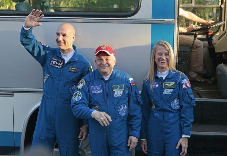 V.l.n.r.: Luca Parmitano, Fyodor Yurchikhin en Karen Nyberg. Beeld AP
