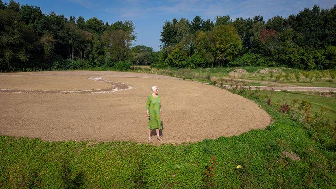 Lida van de Voorde heeft na ruim een decennium eindelijk 'haar' algemene begraafplaats: een soort grafheuvel op de grens van Zetten en Landgoed Hemmen.