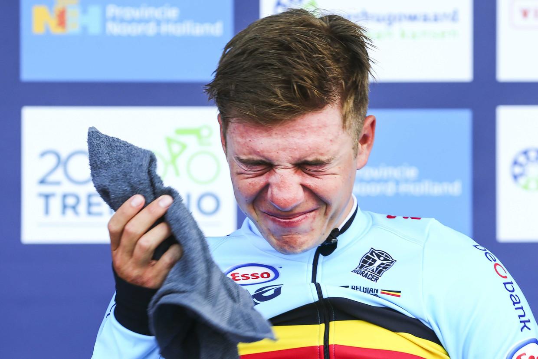 Een geëmotioneerde Evenepoel kroont zich in Alkmaar tot Europees kampioen tijdrijden. Beeld EPA