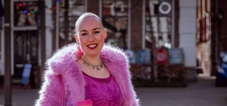 Tegengif voor het modebeeld: Renske (38) uit Meppel altijd compleet in het roze, en kaal