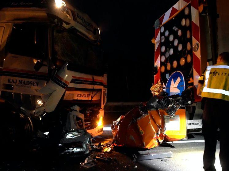 Trucker knalt vol op wegwerkzaamheden op A1 richting Hengelo