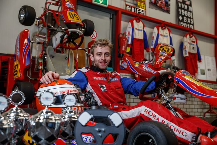 Steenbergen - 21-11-2019 - Foto: Pix4Profs/Marcel Otterspeer - Kart-talent Bas van Vlimmeren in zijn werkplaats in Steenbergen.
