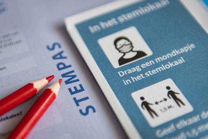 De coronamaatregelen vragen deze Kamerverkiezingen extra aandacht voor de veiligheid en gezondheid van kiezers en stembureauleden. In Arnhem wordt ook gestemd voor een afvalreferendum.
