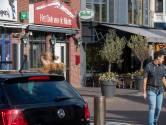 Dader liet hamer achter en stak eigen hand in de fik na brandbom Het Dak van de Markt in Veenendaal