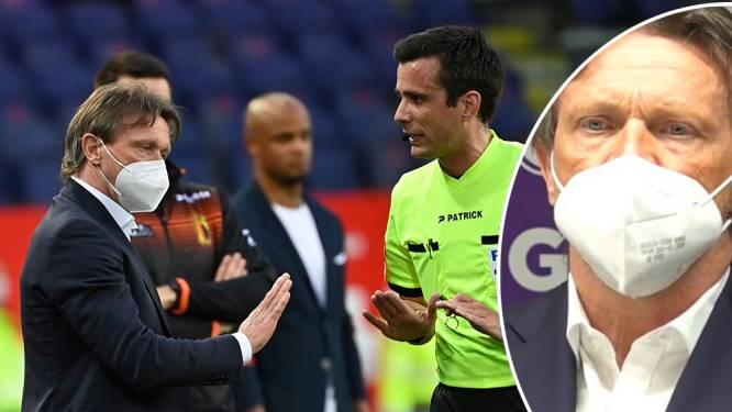 """Woede bij Antwerp groot, spreekverbod voor spelers. Vercauteren: """"De ref heeft altijd gelijk. Ook als hij ongelijk heeft"""""""