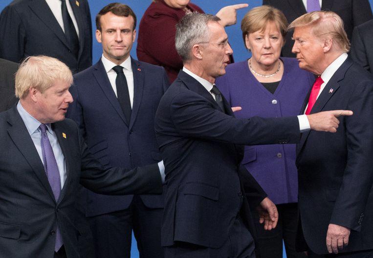 President Trump (geheel rechts), december vorig jaar in Londen met de leiders van de Navo. Trump heeft gezinspeeld op het opblazen van de militaire verdragsorganisatie omdat Europa te weinig bijdraagt aan defensie.  Beeld Hollandse Hoogte / BELGA