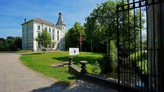 In het park rond dit Kasteel Borluut in de Kleine Gentstraat in Sint-Denijs-Westrem gaat dit jaar Dioniss Intiem door