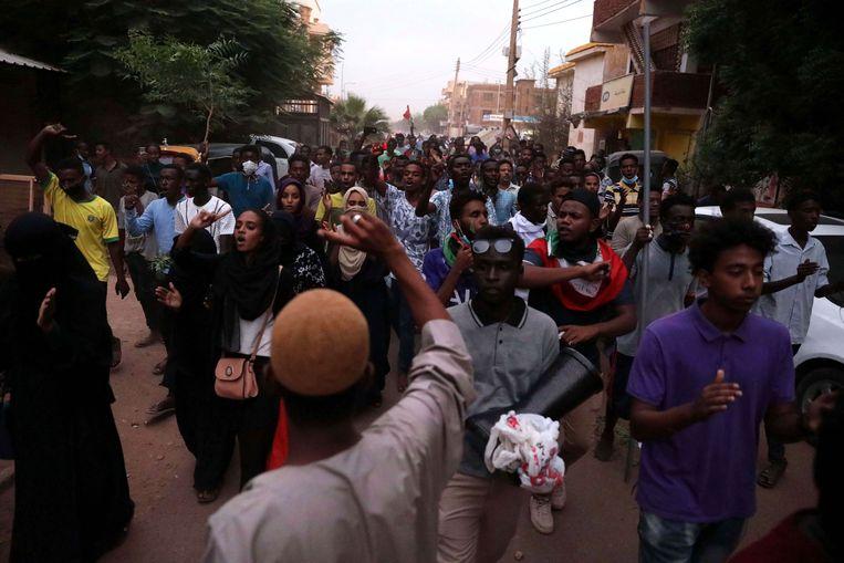 Een demonstratie in Soedan. Het is al sinds eind vorig jaar onrustig in het land.