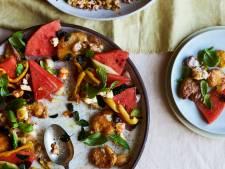 Proost op de boer: salade van meloen, aardappel, kruiden en geroosterde feta