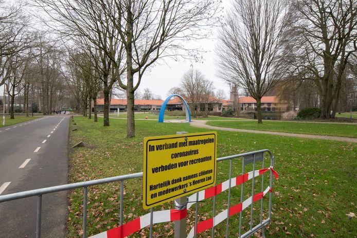 's Heeren Loo vraagt recreanten om niet  te gaan wandelen in het woonzorgpark in Ermelo.