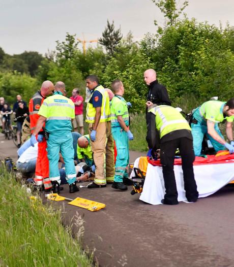 Man en vrouw vallen van scooter in Veldhoven, man raakt ernstig gewond