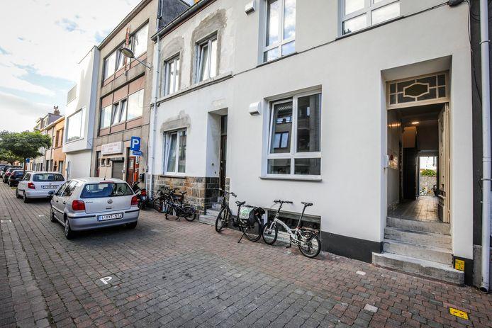 Het pand vind je in de Plakkerstraat 37 in Oostende.