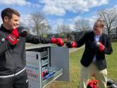 Geen kroket maar ballen en rackets uit de muur: Den Bosch krijgt de eerste 'sportautomaat' van het land