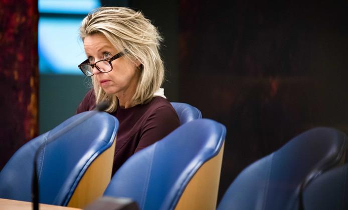 Minister Kajsa Ollongren van Binnenlandse Zaken en Koninkrijksrelaties (D66) tijdens het wekelijkse vragenuur in de Tweede Kamer.