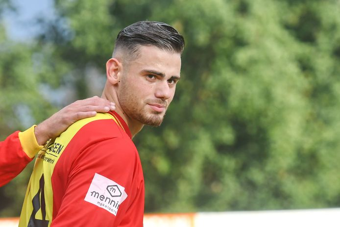 Sefa Yildirim in het shirt van CSV Apeldoorn. Hij speelt komend seizoen bij eersteklasser KHC.