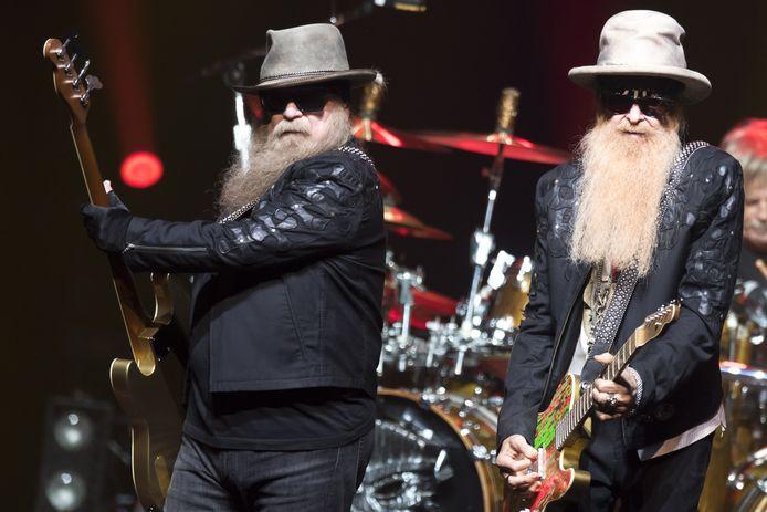 Dusty Hill (links) met Billy Gibbons op het Montreux Jazz Festival in juli 2019