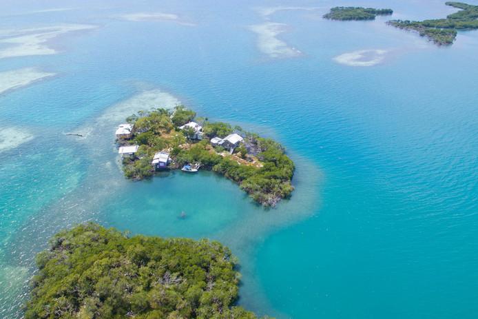 Vue du ciel de l'île, située à 19 kilomètres au large d'Hopkins Village, sur la côte du Belize.