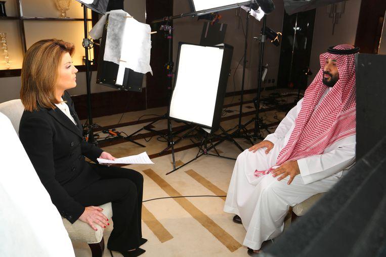De Saoedische kroonprins Mohammed bin Salman zegt in het CBS-programma 60 Minutes dat hij de 'volledige verantwoordelijkheid' neemt voor de dood van Khashoggi. Beeld via REUTERS