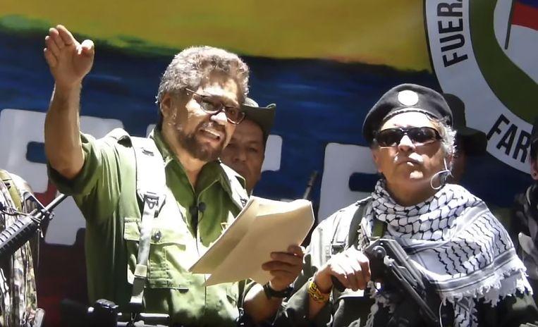 Iván Márquez leest zijn manifest voor in zijn videoboodschap van 29 augustus.  Beeld AFP