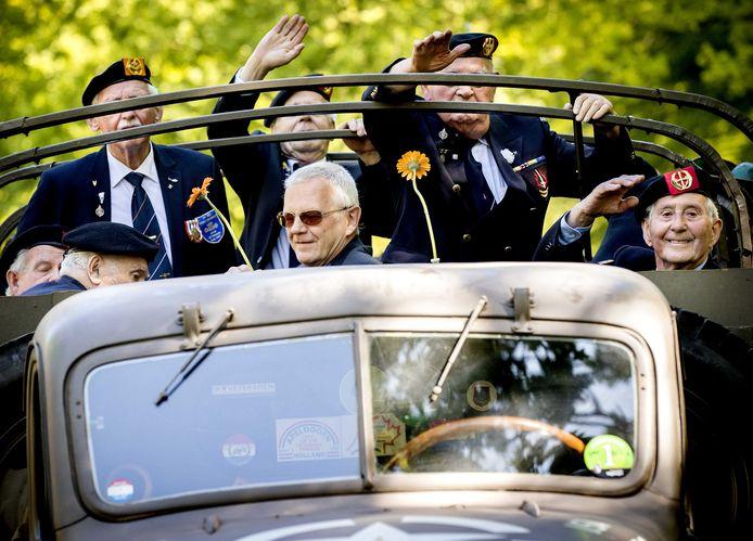Archieffoto uit 2018: veteranen tijdens het Bevrijdingsdefile, ter herdenking van de capitulaties van de Duitse en Japanse bezettingsmacht in Nederland en het voormalig Nederlands-Indie in 1945.
