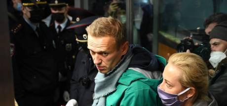 """L'interpellation d'Alexeï Navalny condamnée de toutes parts: """"Ici, c'est chez moi. Je n'ai pas peur"""""""