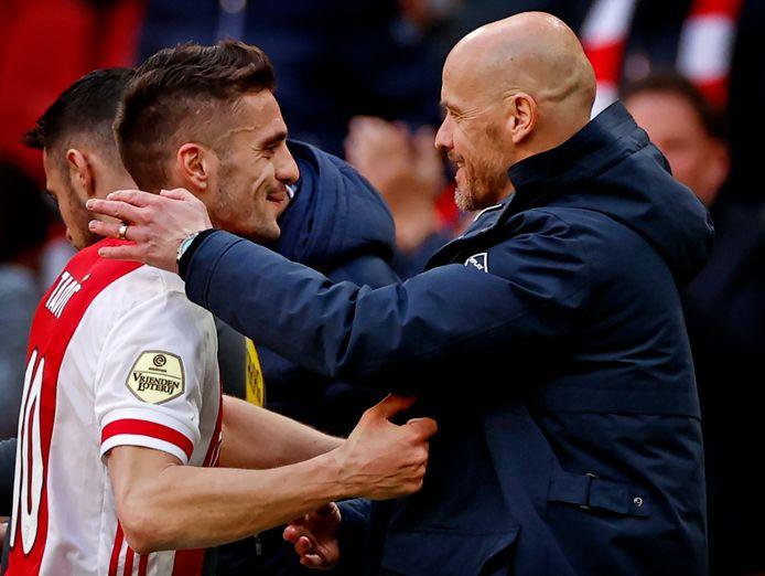 Ajax-captain Dusan Tadic en coach Erik ten Hag.