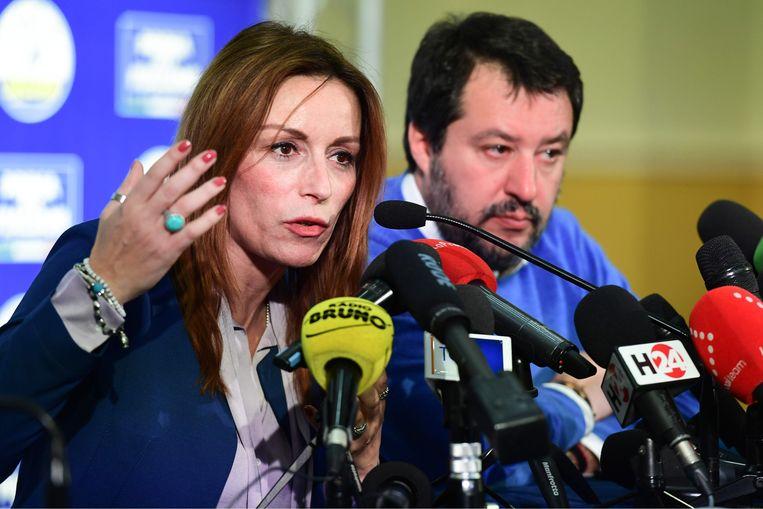 De regionale Lega-kandidaat Lucia Borgonzoni en Lega-leider Matteo Salvini. Beeld AFP