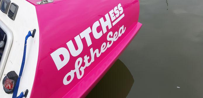 De roeiboot van de Dutchess of the Sea, vier vrouwen uit de regio Deventer die in december meedoen aan de Talisker Whiskey Atlantic Challenge, een roeiwedstrijd van 4700 kilometer. Van de Canarische Eilanden naar Antigua.