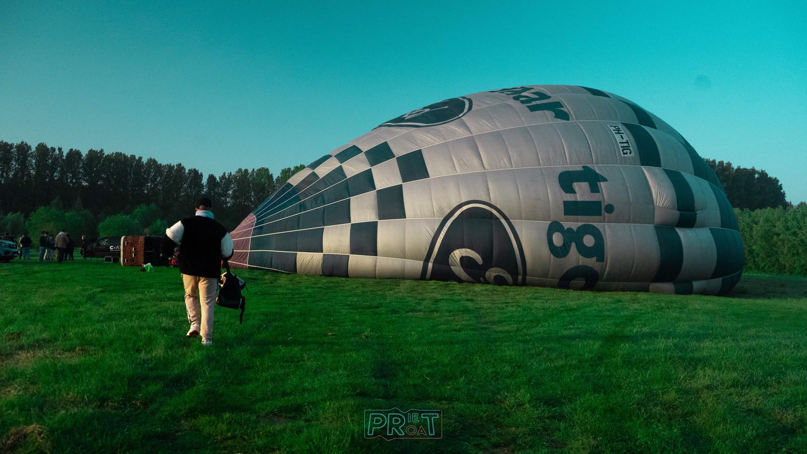 Zondag krijgt deze luchtballon een complete dj-set aan boord