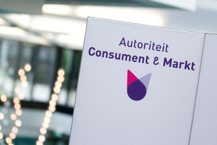 Het logo van Autoriteit Consument & Markt.  Beeld null