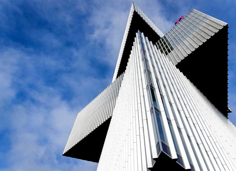 Het nieuwste hotel van Amsterdam is tevens het grootste met 650 kamers: nhow Amsterdam Rai aan de Zuidas, gebouwd door Rem Koolhaas. Beeld EPA