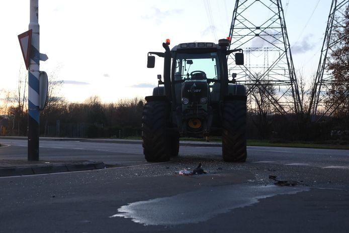 Ongeval in Best: auto en tractor botsen op elkaar