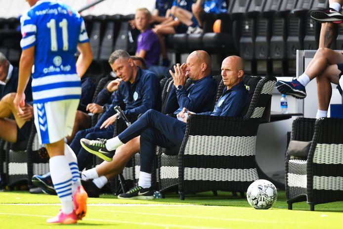 De Graafschap-trainer Reinier Robbemond (rechts).