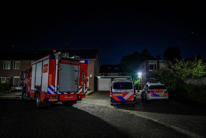 Bij een woning aan de Dadelstraat in Eindhoven is maandagnacht een brandbom in de tuin gegooid.