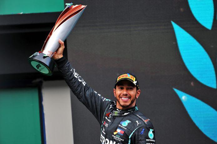 Lewis Hamilton liftte gisteren in Turkije alweer zijn zevende wereldtitel omhoog.