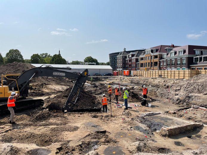 Op de plek van het gesloopt winkelcentrum Marktveld in Vught vindt een grootscheeps archeologisch onderzoek plaats.