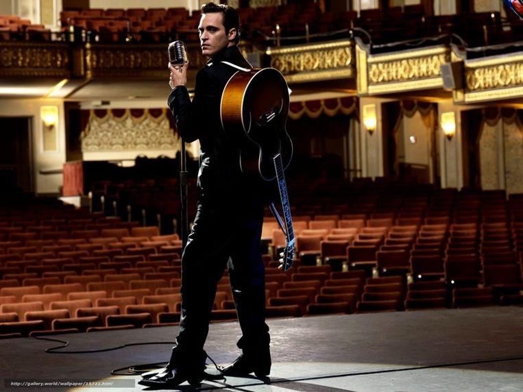 Joaquin Phoenix als Johnny Cash in 'Walk the Line'. Beeld