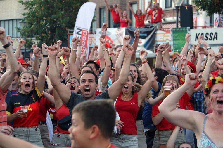 De ontlading bij de supporters is groot als de Duivels scoren.