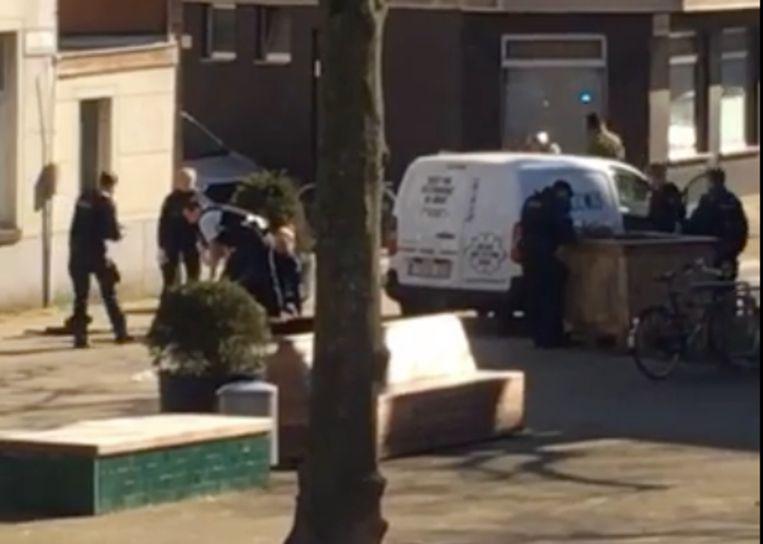 De bestelwagen reed zich vast op het Fonteineplein in de Brugse Poort.