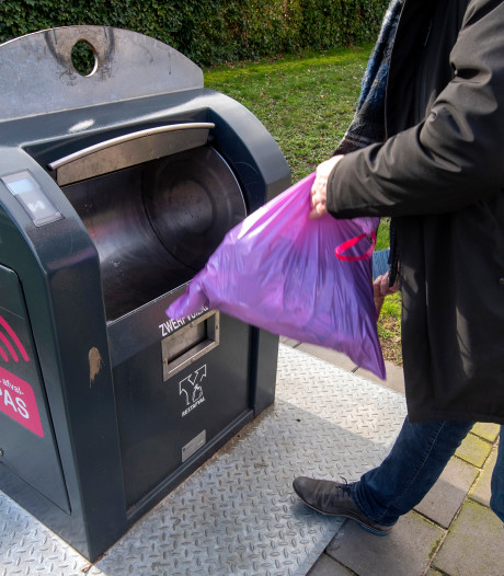 Afvalmoe Arnhem snapt helemaal niks meer van 'onzinnige kloteregeltjes'
