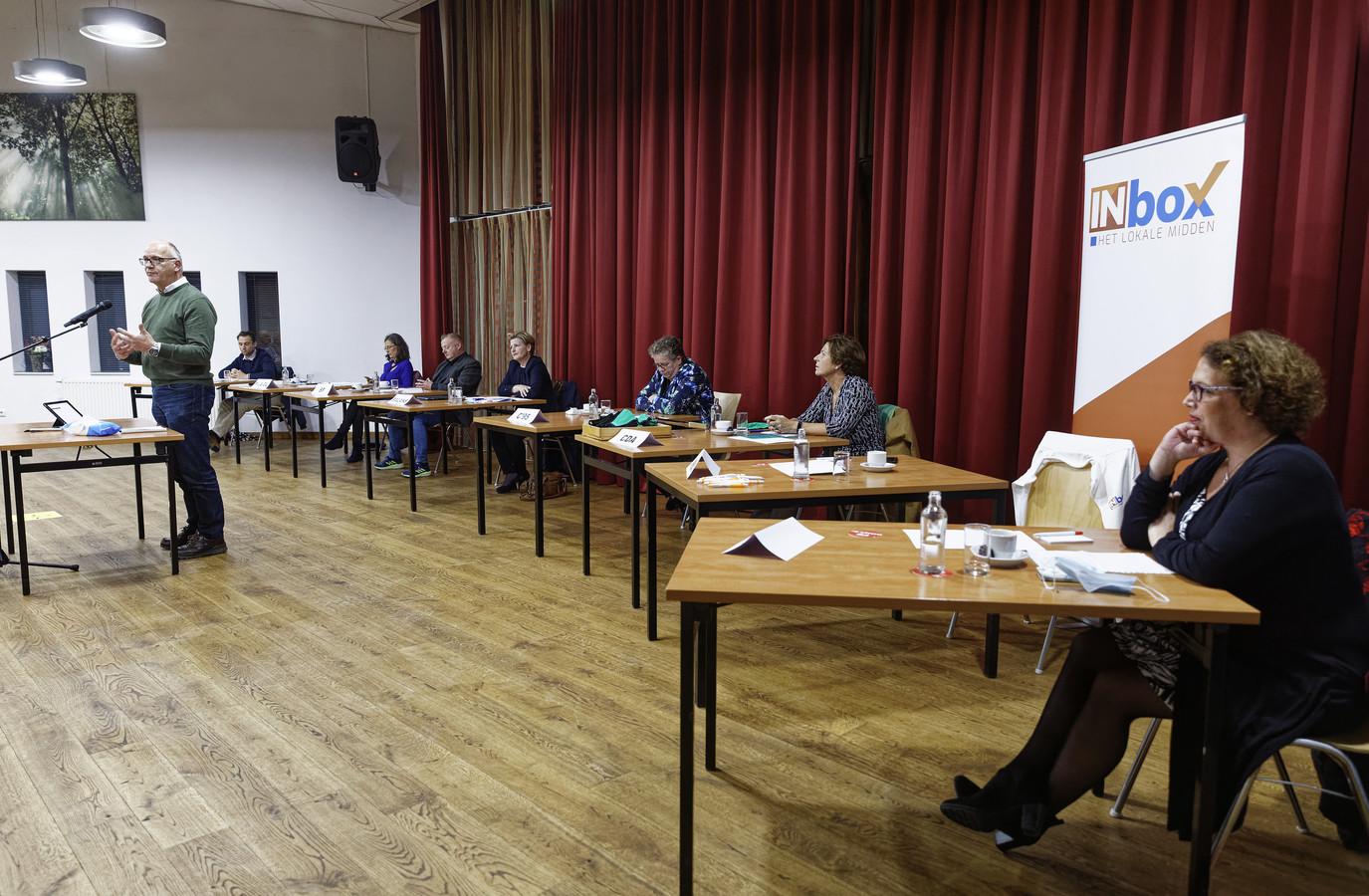 Partijleider Fred van Nistelrooij van INbox heeft bij informateur Fons Naterop inmiddels aangegeven 'met een positieve grondhouding te willen verkennen of hij een bijdrage kan leveren aan de totstandkoming van een bredere coalitie'.