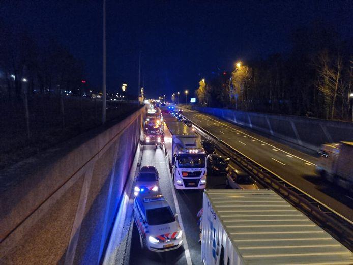 Op de A1 in Hengelo heeft vrijdagavond ter hoogte van Plein Westermaat een aanrijding plaatsgevonden.