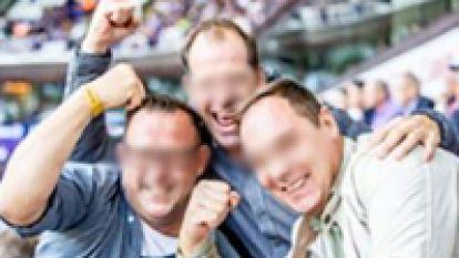 """Anderlecht gebruikt foto van Antwerp-supporters om VIP-tickets aan te prijzen: """"Wij vragen een compensatie """""""