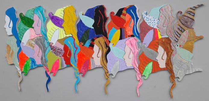 Het door powervrouwen en powermeisjes gemaakte kunstwerk voor Internationale Vrouwendag in Hilvarenbeek